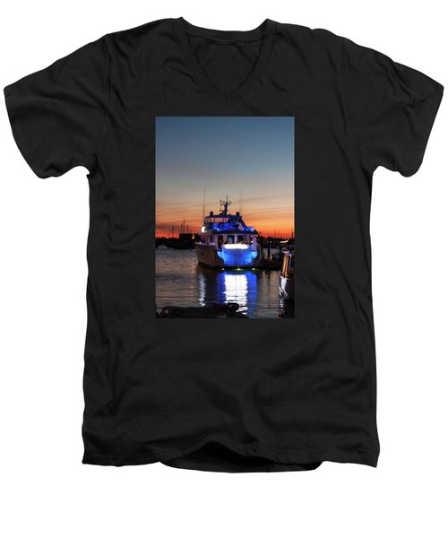 Men's V-Neck T-Shirt featuring the photograph An Evening In Newport Rhode Island by Suzanne Gaff