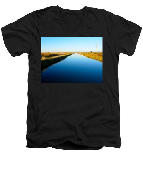 Biggs Canal Men's V-Neck T-Shirt