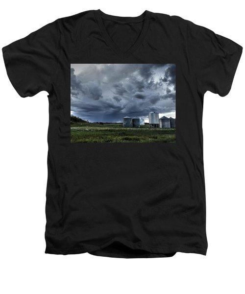 Bins Men's V-Neck T-Shirt