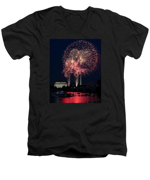 Dc 4th Of July Men's V-Neck T-Shirt