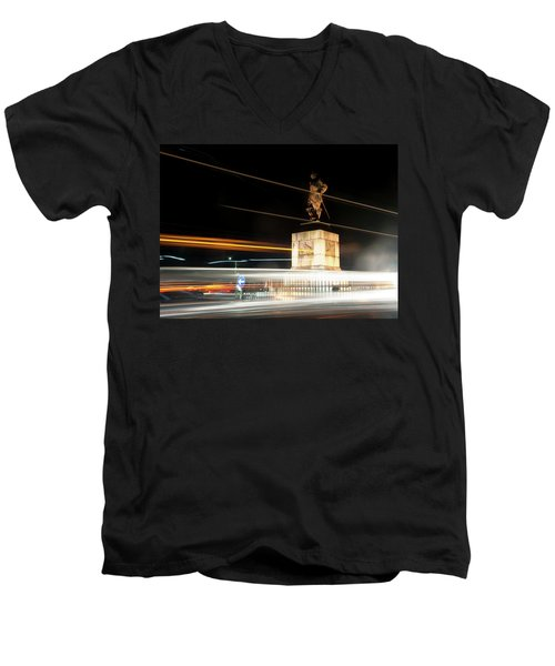 Drake's Statue Traffic Trails Iv Men's V-Neck T-Shirt