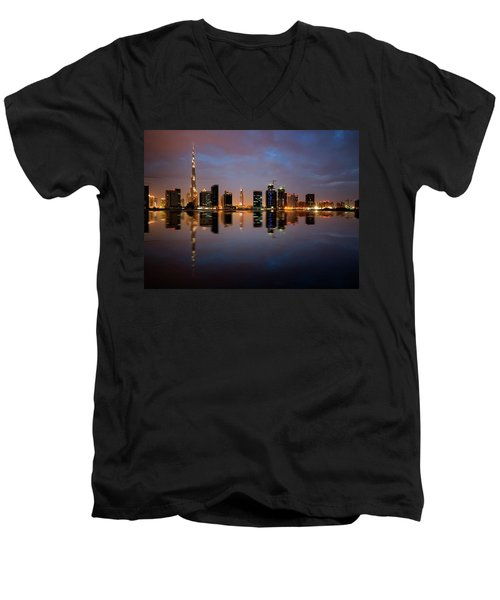 Fascinating Reflection Of Tallest Skyscrapers In Bussiness Bay D Men's V-Neck T-Shirt