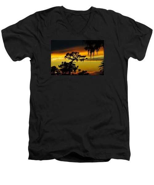 Men's V-Neck T-Shirt featuring the photograph Central Florida Sunset by David Lee Thompson
