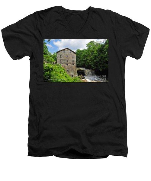 D9e-28 Lantermans Mill Photo Men's V-Neck T-Shirt