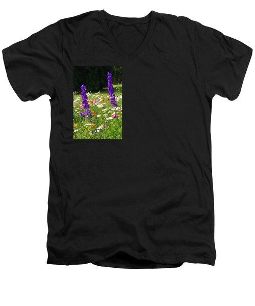 Ncdot Planting Men's V-Neck T-Shirt