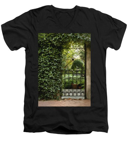 Savannah Gate Men's V-Neck T-Shirt