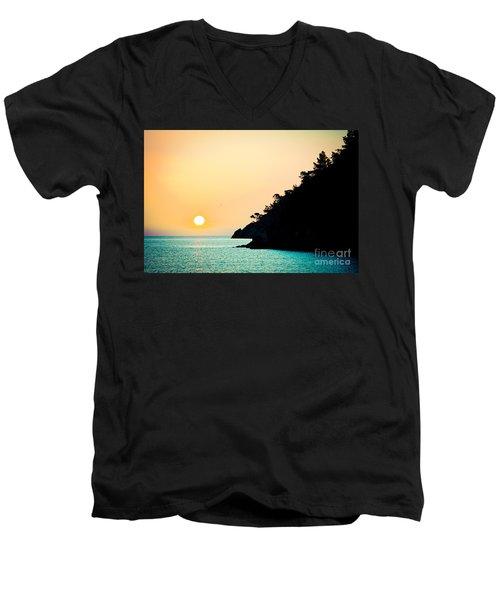 Seascape Sunrise Sea And Sun Men's V-Neck T-Shirt