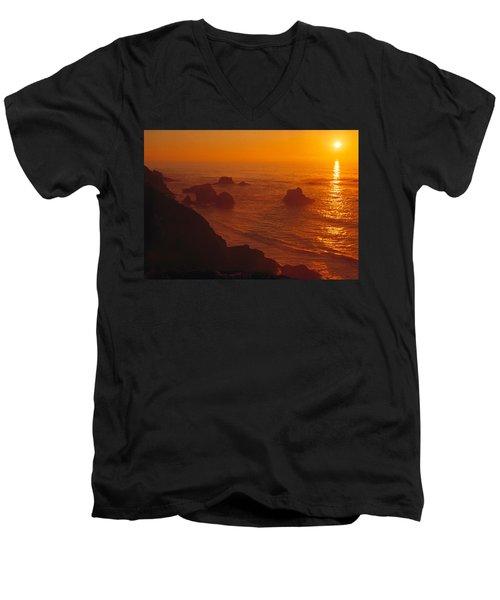 Sunset Over The Pacific Ocean Men's V-Neck T-Shirt by Utah Images