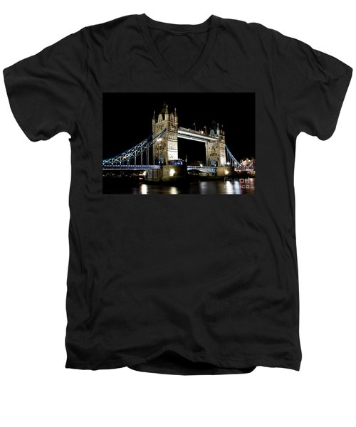 View Of The River Thames And Tower Bridge At Night Men's V-Neck T-Shirt