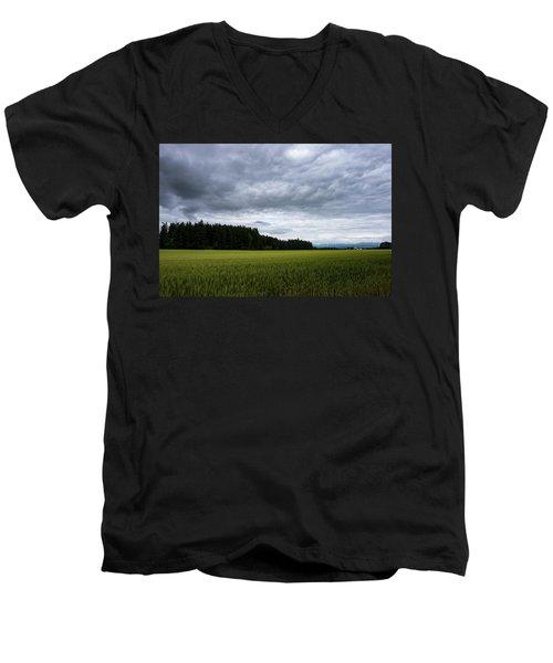 Willamette Wheat Men's V-Neck T-Shirt