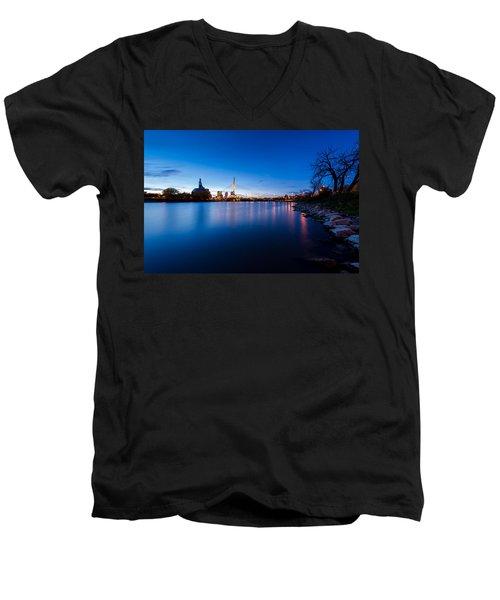 Winnipeg At Night Men's V-Neck T-Shirt
