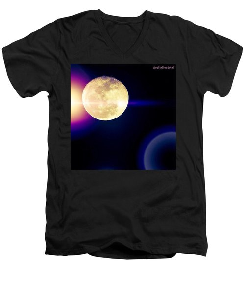Wouldn't It Be Great If The #moon And Men's V-Neck T-Shirt
