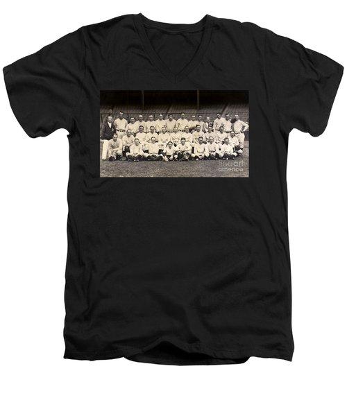 1926 Yankees Team Photo Men's V-Neck T-Shirt