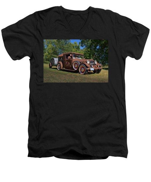 1928 Oldsmobile Camper Special Men's V-Neck T-Shirt
