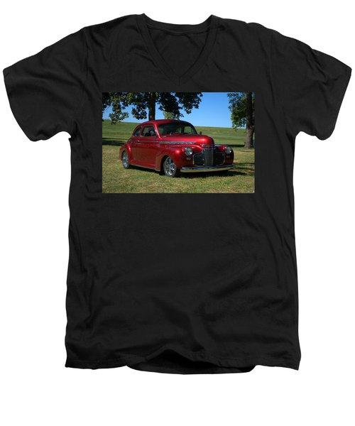 1941 Chevrolet Custom Street Rod Men's V-Neck T-Shirt