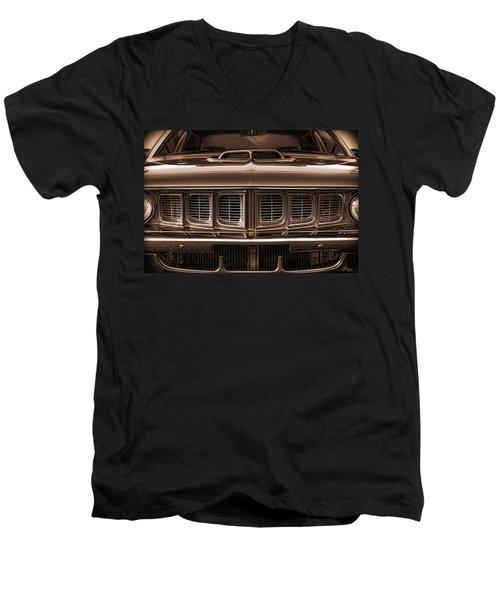 1971 Plymouth 'cuda 440 Men's V-Neck T-Shirt