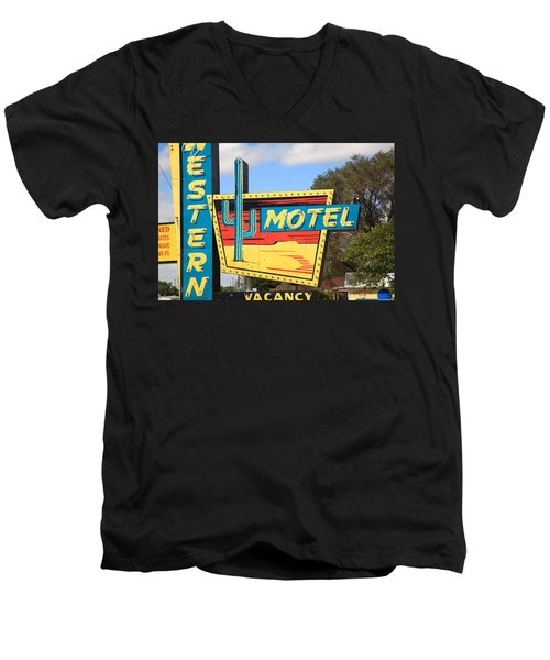 Route 66 - Western Motel Men's V-Neck T-Shirt