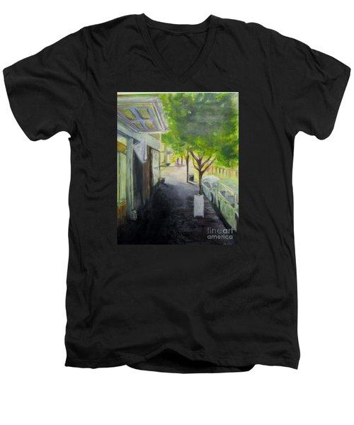 2nd St Stores Men's V-Neck T-Shirt