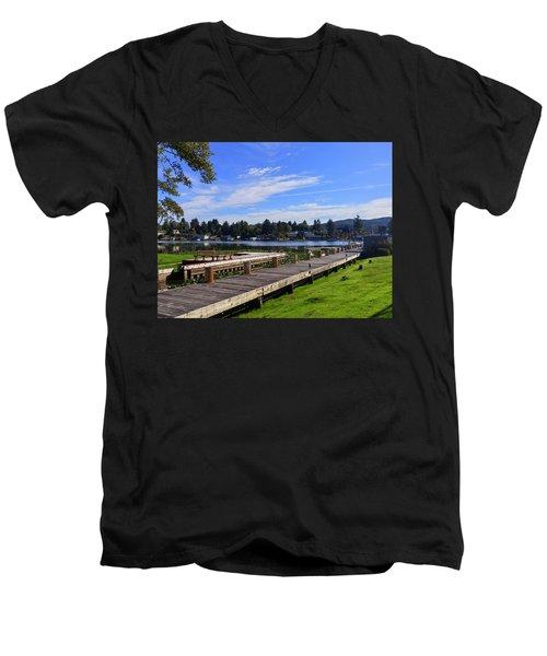 Devils Lake Oregon Men's V-Neck T-Shirt