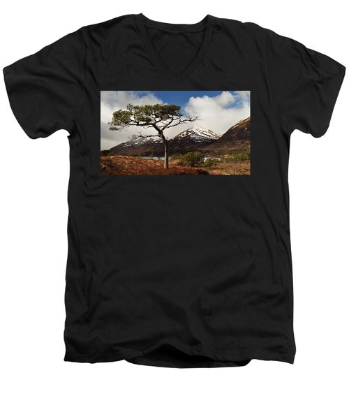 Glen Affric Men's V-Neck T-Shirt