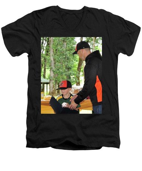 9785 Men's V-Neck T-Shirt