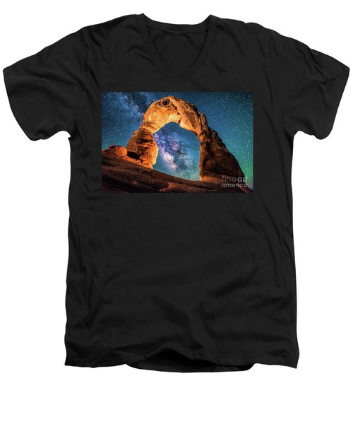 A Portal To The Milky Way At Delicate Arch Men's V-Neck T-Shirt