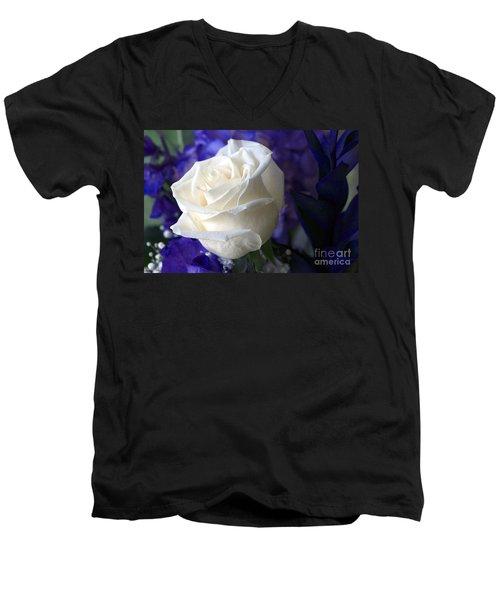 A White Rose Men's V-Neck T-Shirt
