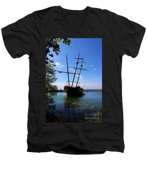 Abandoned Ship Men's V-Neck T-Shirt by Al Bourassa