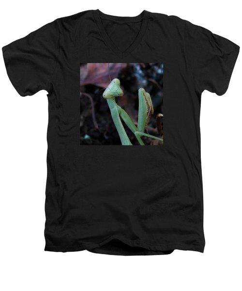 Alien Men's V-Neck T-Shirt