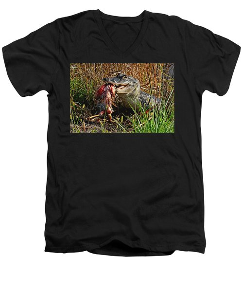 Alligator Eating A Fish Men's V-Neck T-Shirt