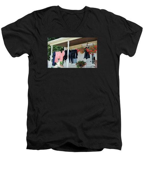 Amish Clothesline Men's V-Neck T-Shirt