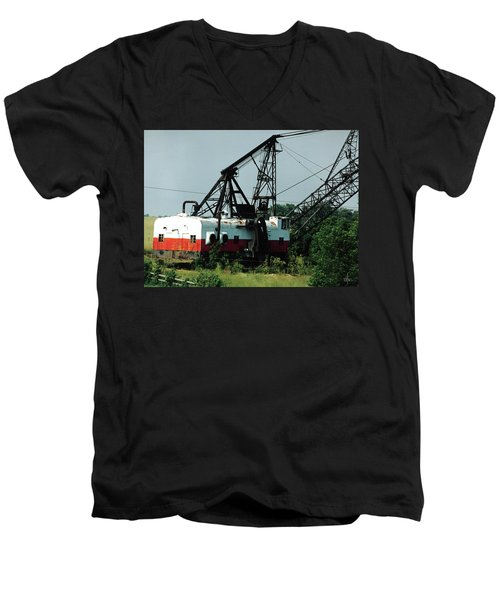 Abandoned Dragline Excavator In Amish Country Men's V-Neck T-Shirt