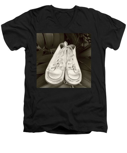 Antiqued Baby Shoes Men's V-Neck T-Shirt