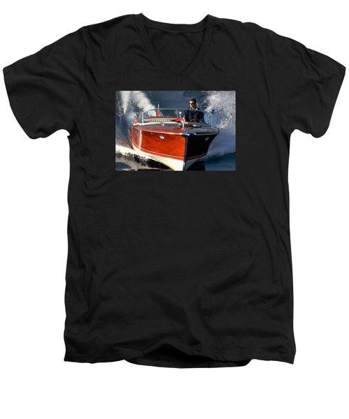 Aqurama Men's V-Neck T-Shirt