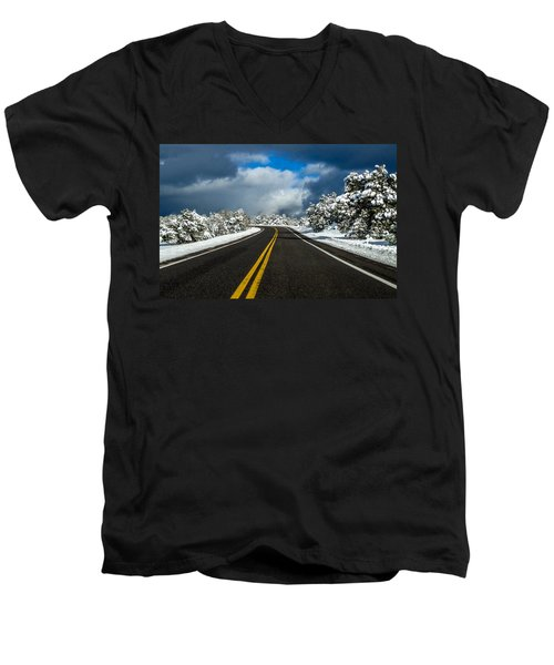 Arizona Snow Road Men's V-Neck T-Shirt