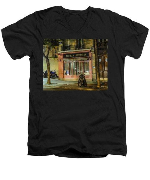 Artisan Patissier Montmartre Paris Men's V-Neck T-Shirt