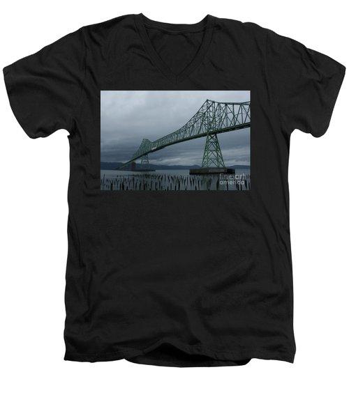 Astoria Bridge Men's V-Neck T-Shirt