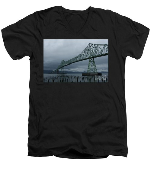 Astoria Bridge Men's V-Neck T-Shirt