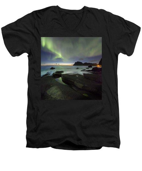At Night Men's V-Neck T-Shirt