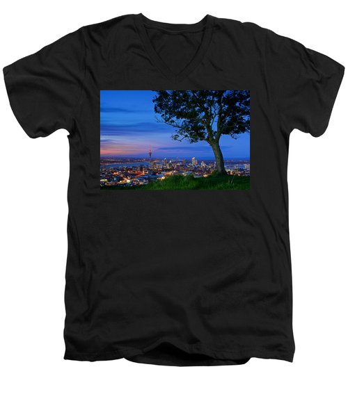 Auckland Men's V-Neck T-Shirt