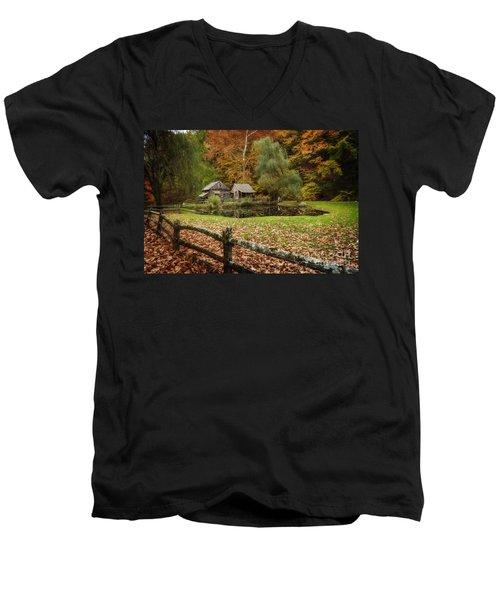 Autumn At Cuttalossa Farm V Men's V-Neck T-Shirt