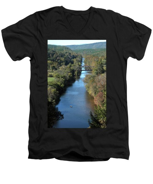 Autumn Landscape With Tye River In Nelson County, Virginia Men's V-Neck T-Shirt
