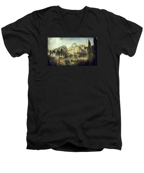 Avio Castle Men's V-Neck T-Shirt