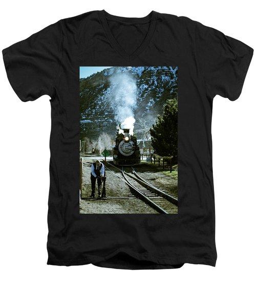 Backing Into The Station Men's V-Neck T-Shirt