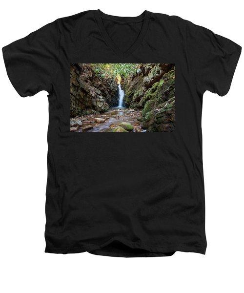 Baileys Falls Men's V-Neck T-Shirt
