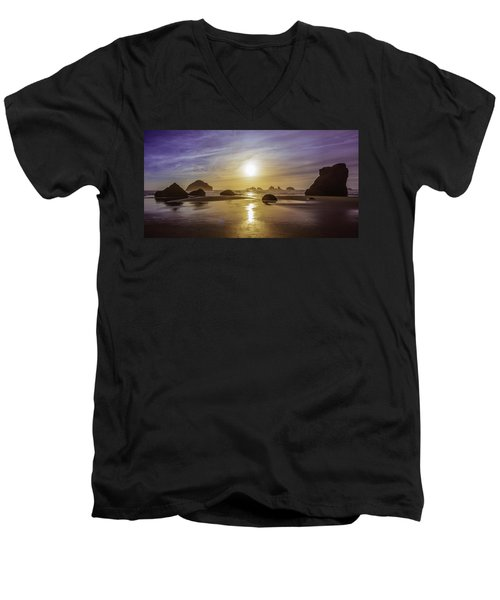Bandon Glow Men's V-Neck T-Shirt
