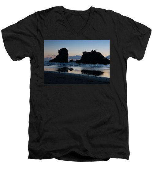 Bandon Oregon Sea Stacks Men's V-Neck T-Shirt