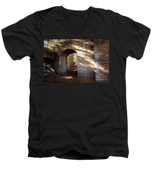 Bankhead Ruins Men's V-Neck T-Shirt