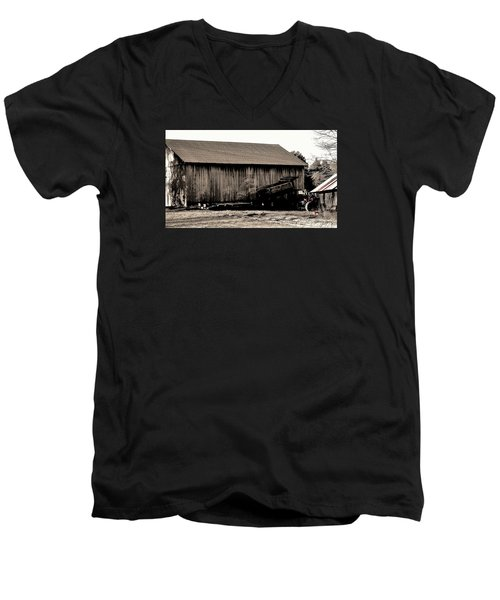 Barn And Truck Men's V-Neck T-Shirt