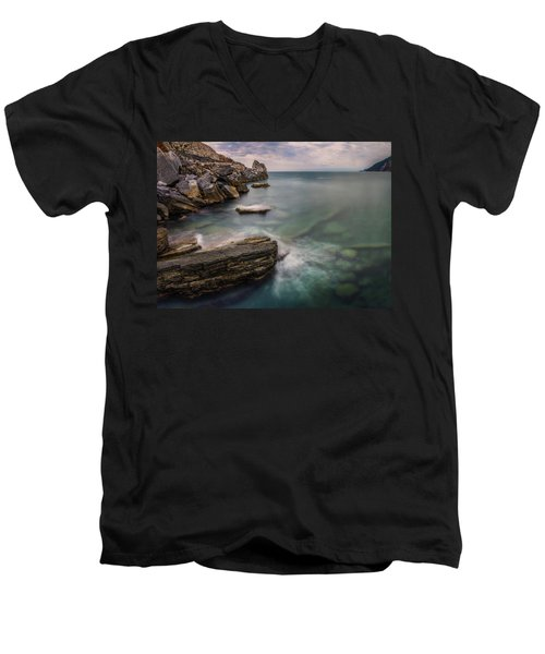 Bay Of The Gulf Of Poets Men's V-Neck T-Shirt